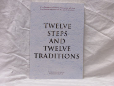 Twelve Steps and Twelve Traditions large print